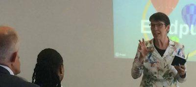 Staatssecretaris Klijnsma tijdens presentatie project Speaking Minds