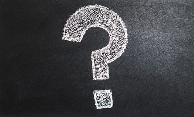vraagteken op schoolbord
