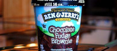 Beker met Ben & Jerry's ijs