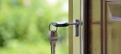 Sleutel in voordeur