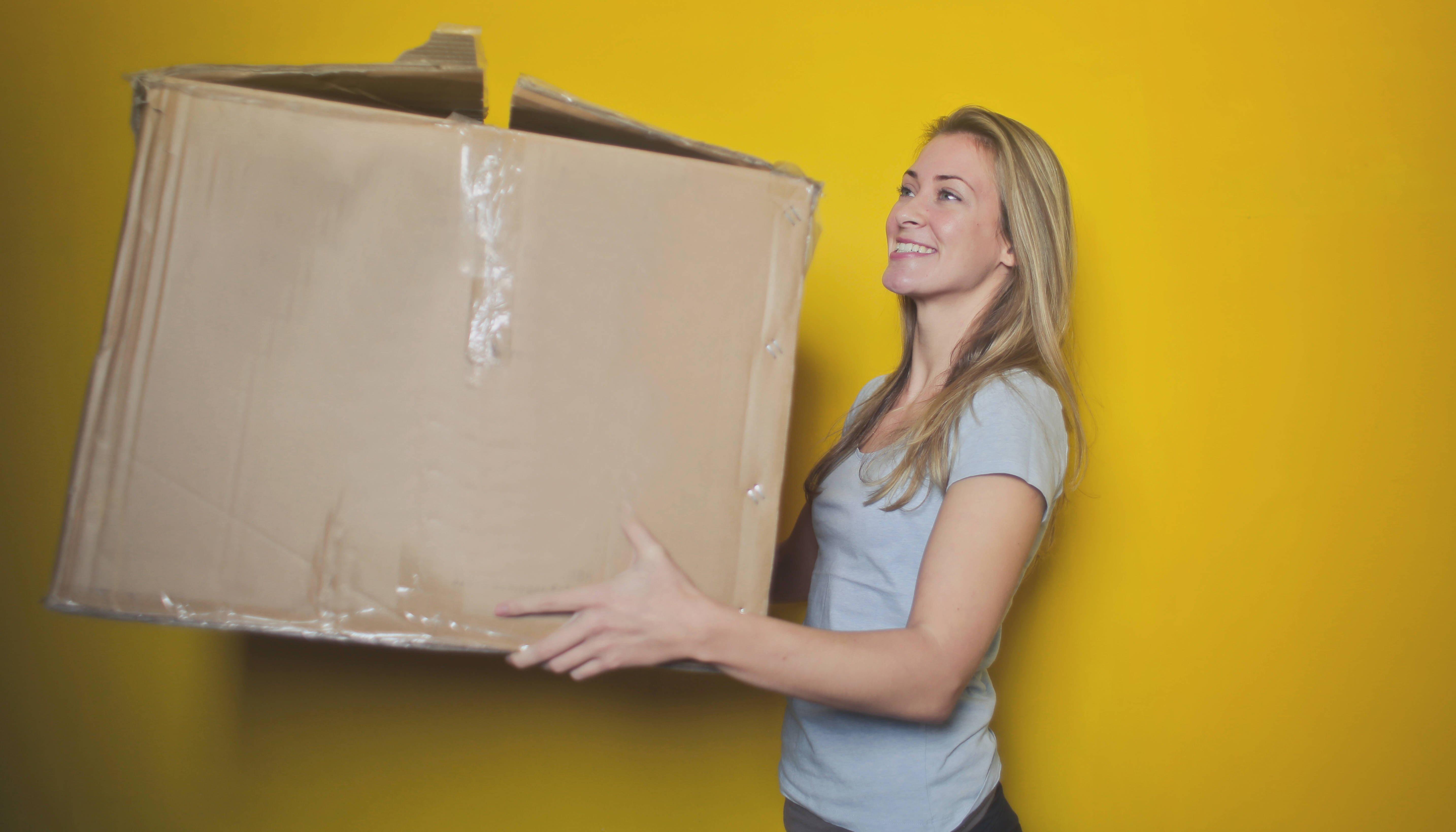 Kwetsbare jonge vrouw wil verhuizen