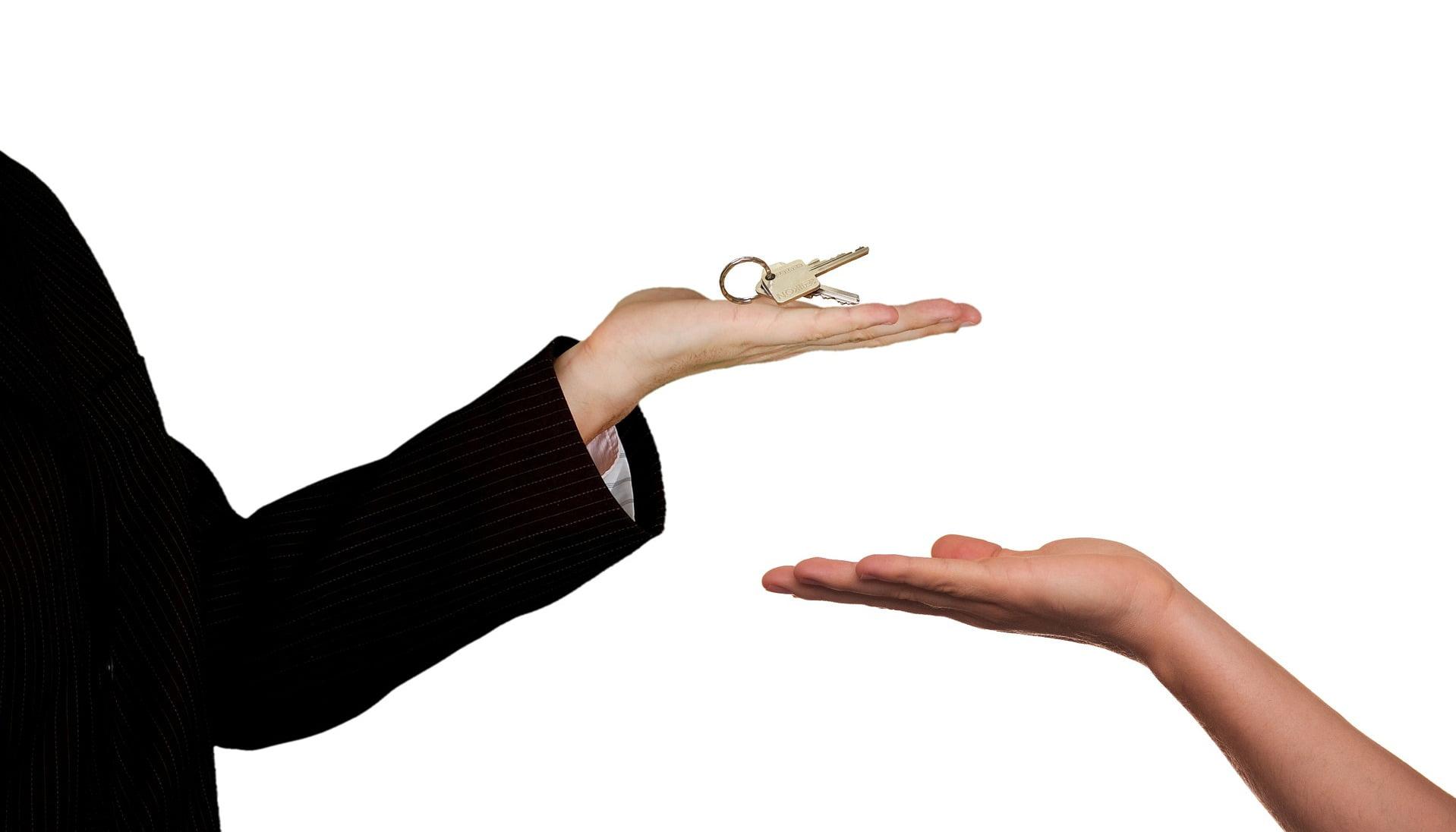 sleutel overhandigen