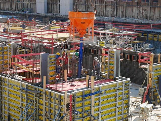 mannen op een bouwplaats