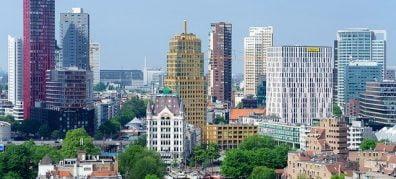 Blik op Rotterdamse hoogbouw